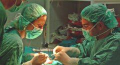 Una operación de trasplante de riñón.