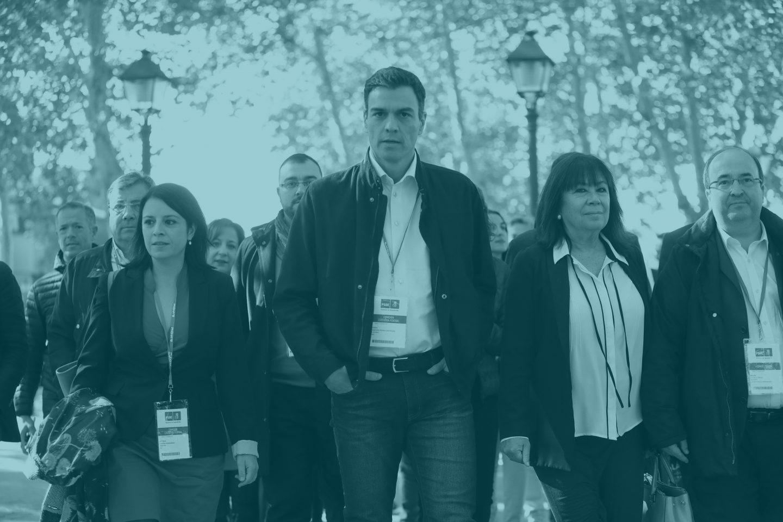 El secretario general del PSOE, Pedro Sánchez, y la presidenta, Cristina Narbona, junto a Adriana Lastra y Miquel Iceta.
