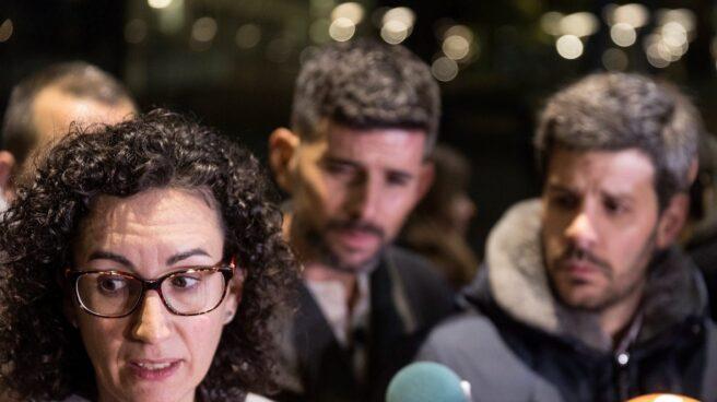 Marta Rovira (ERC) atiende a la prensa tras reunirse con Carles Puigdemont en Bruselas.