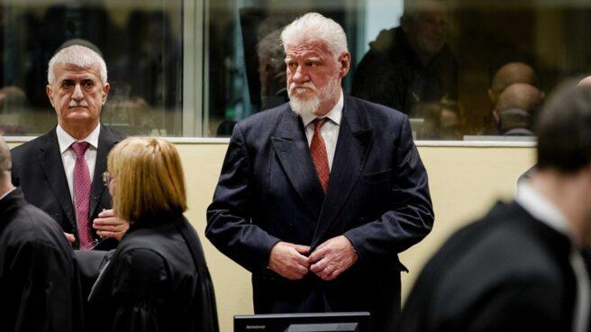 Slobodan Praljak, antes de suicidarse durante la vista de apelación de su juicio en La Haya.