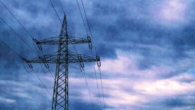 Radiografía del apagón económico: así cayó el consumo de luz, gas y gasolina con el estado de alarma
