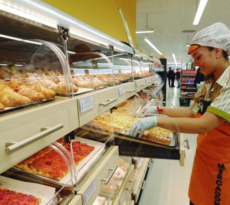Mercadona acaba con las bolsas de plástico: las retirará de sus supermercados en 2019