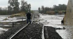 La vía por la que ha pasado el tren que ha descarrilado.