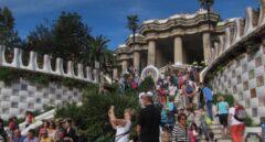 Turistas en el Parc Güell de Barcelona.