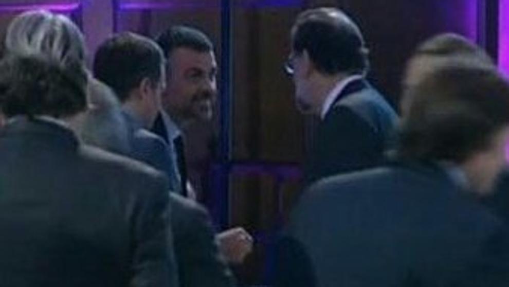 Saludo entre Santi Vila y Mariano Rajoy en el acto de Foment del Treball.