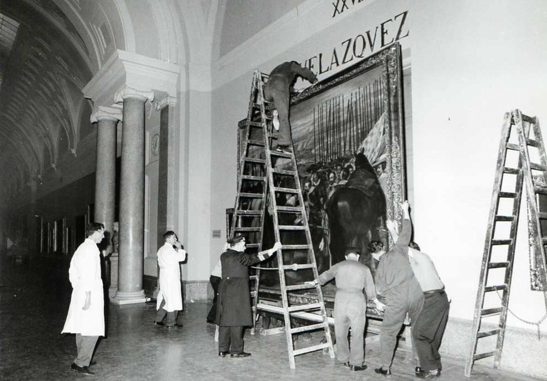 Fotografías radiográficas de cuadros de Velázquez realizadas por el National Museum de Suecia: sesiones de trabajo y traslado de cuadros de la sala de Velázquez y día de la inauguración de la ''Instalación de las radiografías de Velázquez'