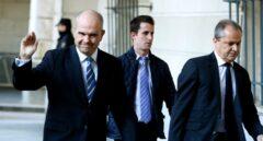 Ferraz muestra su apoyo a los ex presidentes andaluces al inicio del juicio por el caso ERE