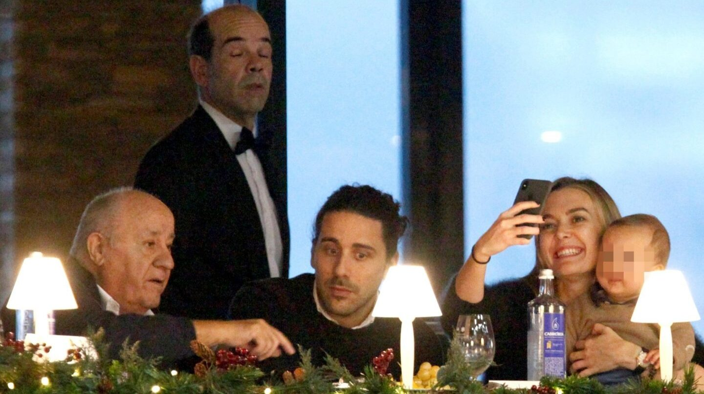 El fundador de Inditex, Amancio Ortega ,su hija Marta Ortega (d) y Carlos Torretta (c) durante el XXXV Concurso de Saltos Internacional de A Coruña, que se celebra en el recinto hípico de Casas Novas.