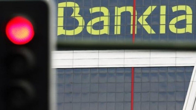 Bankia cae en bolsa tras la venta de un 7% del capital en manos del Estado.