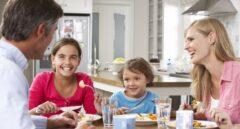 Comer en familia hace que los niños se encuentren mejor, física y mentalmente