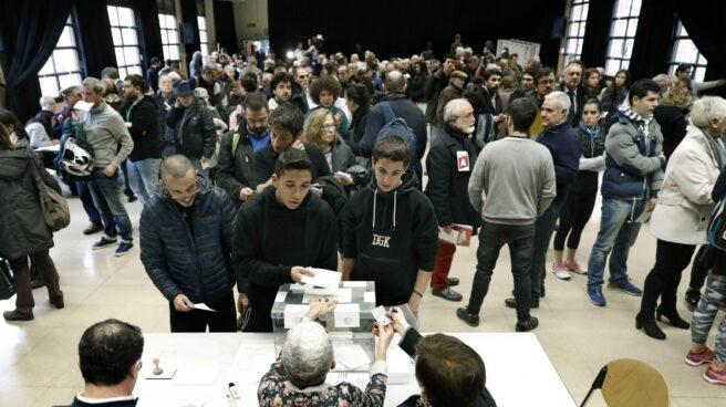 Elecciones 21-D: colegio electoral en Barcelona.