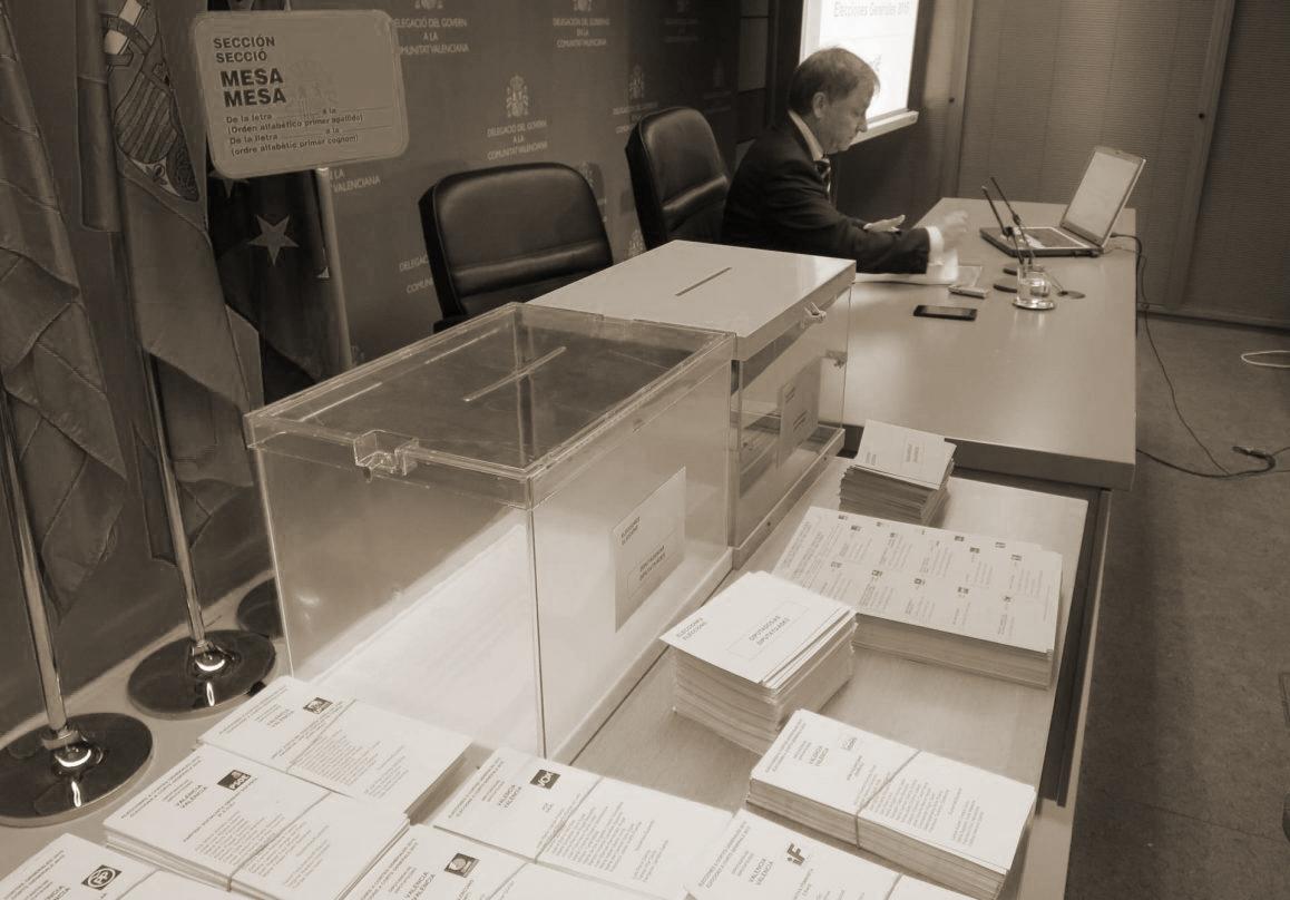 Urnas electorales en Cataluña.