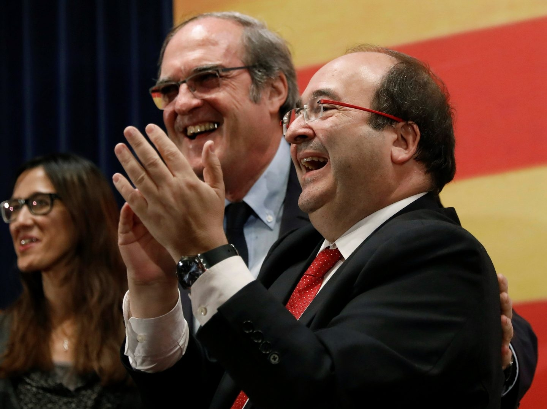 Miquel Iceta, junto a Ángel Gabilondo en un mitin en Badalona.