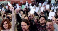 La dimisión de Domènech refuerza a Colau pero aleja a Iglesias de Cataluña