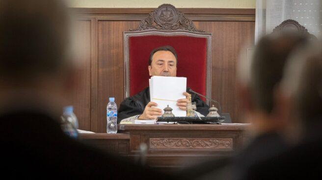 El presidente del tribunal que juzgó el 'caso ERE', Juan Antonio Calle, en una de las sesiones.
