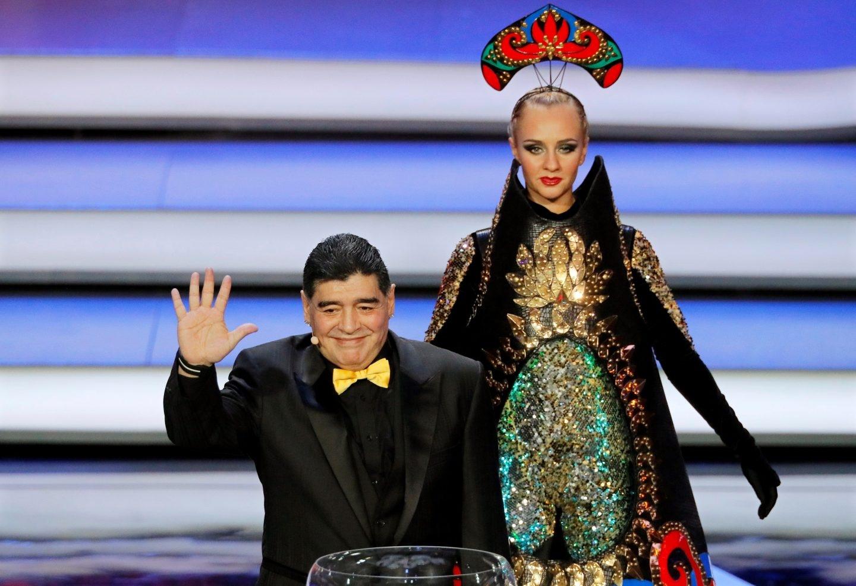 Maradona, en el sorteo del Mundial de Rusia.