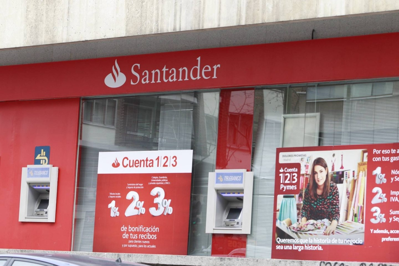 Santander baja a euros el m ximo remunerado en su for Cajeros santander cerca de mi