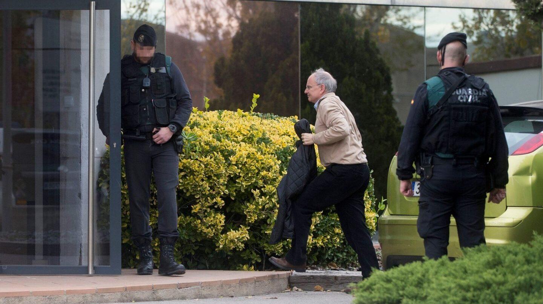 El director general de Unipost, Pau Raventós, entra en la sede de la compañía en Hospitalet.