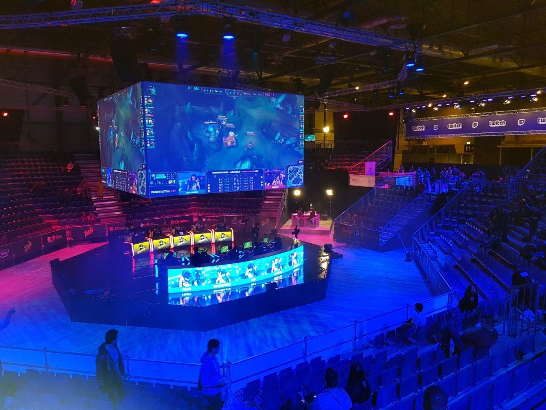 Estadio de LoL con capacidad para 5.000 personas.