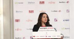 La candidata de Ciudadanos a la presidencia de la Generalitat, Inés Arrimadas, en el desayuno informativo de Europa Press.