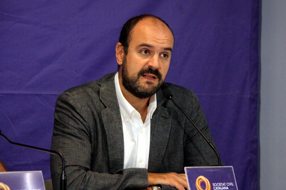 Juan Arza.