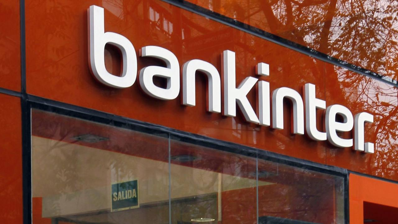 Facua denuncia la opacidad de Bankinter ante el problema de los cobros duplicados en sus tarjetas.