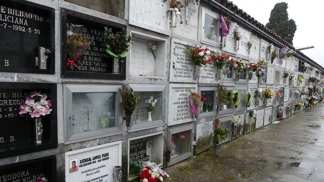 Galdácano, el pueblo en el que ETA y sus víctimas comparten cementerio