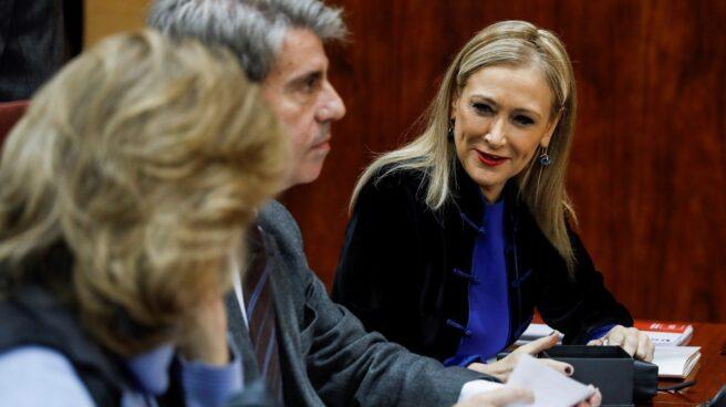 Cristina Cifuentes, junto a Ángel Garrido y Engracia Hidalgo en la Asamblea de Madrid.