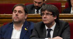 Junqueras y Puigdemont en una sesión en el Parlament