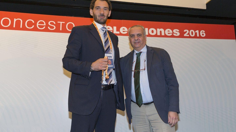 Jorge Garbajosa y José Luis Sáez, el día que el primero fue elegido presidente de la FEB en julio de 2016.