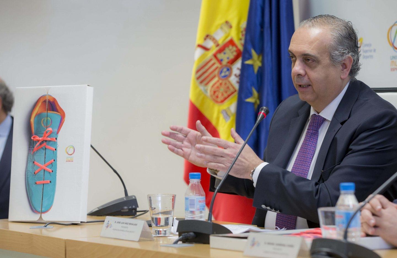José Luis Sáez, en un acto durante su etapa como presidente de la Federación Española de Baloncesto (FEB).