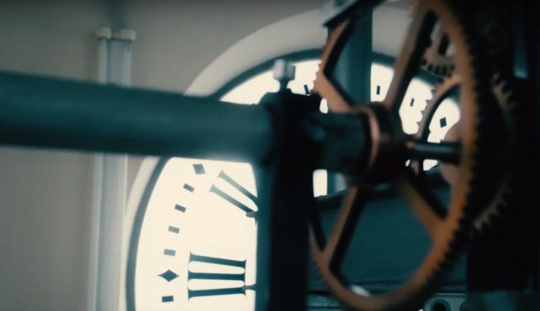 Campanadas as se fabricar a hoy el reloj de la puerta for Puerta del sol hoy