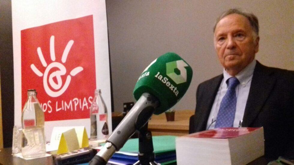 Miguel Bernad, durante la rueda de prensa ofrecida este viernes en Madrid para responder al escrito de acusación de la Fiscalía.