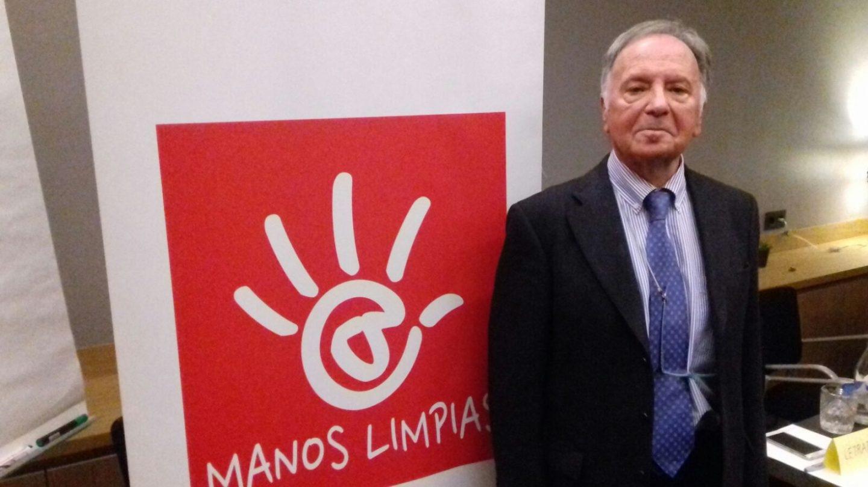 Miguel Bernad, en una reciente conferencia de prensa ofrecida en Madrid.