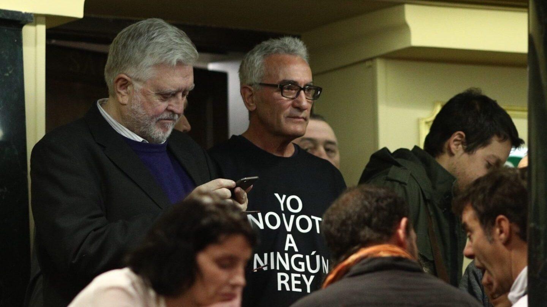 Manuel Monereo y Diego Cañamero, en la tribuna del Congreso de los Diputados.