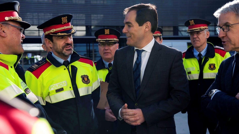 El secretario de Estado de Seguridad, José Antonio Nieto, junto al actual responsable de los Mossos, Ferrán López.