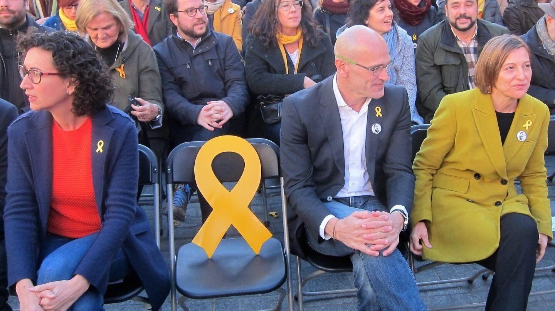 Carme Forcadell (derecha), en un mitin de ERC celebrado el pasado sábado junto a Marta Rovira y Raül Romeva.