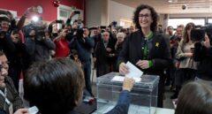 La número dos de ERC, Marta Rovira, tras votar en Vic.