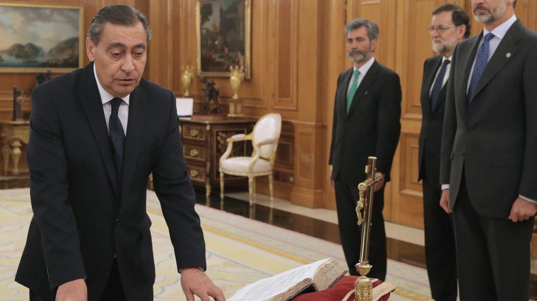 Julián Sánchez Melgar jura su cargo como nuevo fiscal general del Estado.