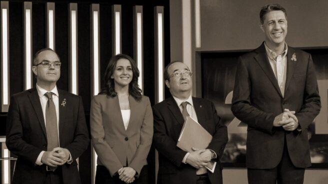 Los candidatos a la Generalitat de Cataluña durante el primer debate.