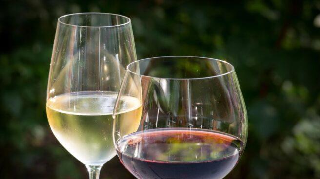 Un estudio de la Universidad de Cambridge revela que en copas más grandes se bebe más.