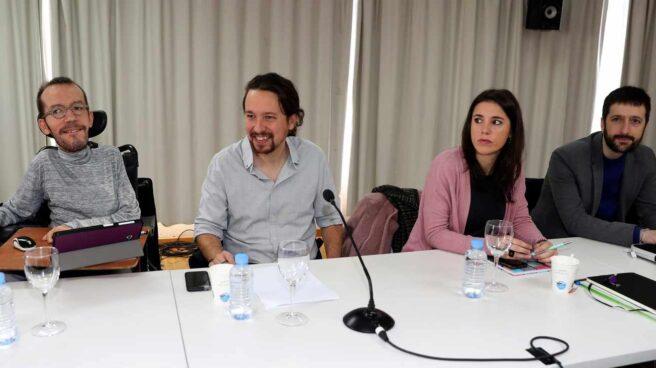 Pablo Echenique, Pablo Iglesias e Irene Montero.