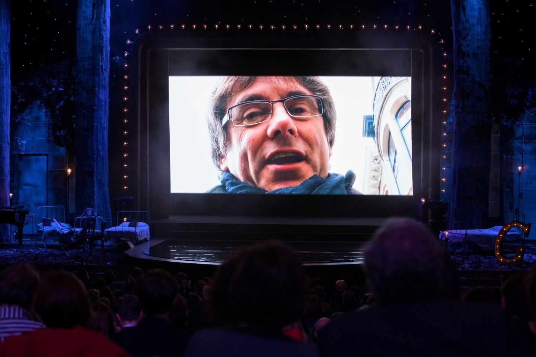 Carles Puigdemont participa en un vídeo en la gala de los X Premios Gaudí.