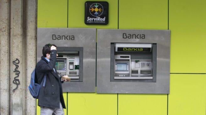 Bankia rebaja a 56 años la edad para prejubilarse en su ERE con BMN.