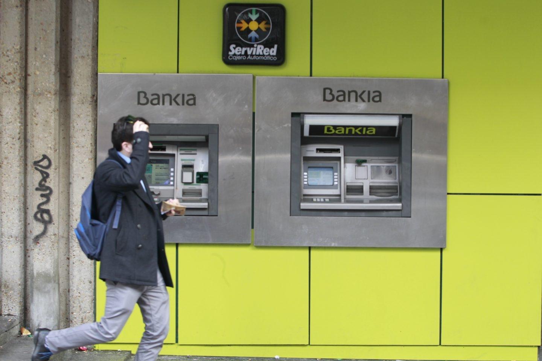 Bankia rebaja hasta 56 a os la edad de prejubilaci n en su for Oficina 2038 bankia