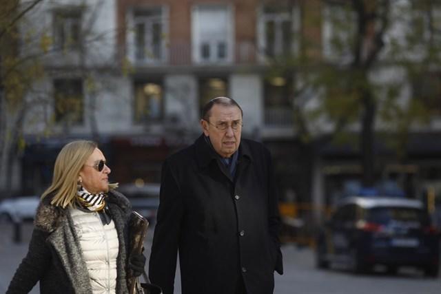 El juez desimputa al presidente de 'La Razón' en el caso Villarejo