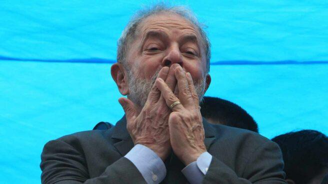 El ex presidente brasileño, Lula da Silva, en un mitin antes de conocerse la sentencia del tribunal de segunda instancia.