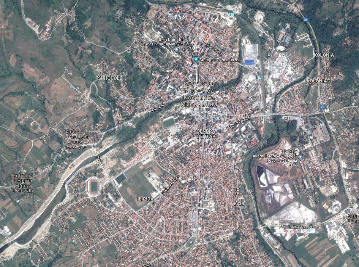 Mitrovica es el ejemplo de la segregación étnica en Kosovo. En los barrios al norte del río, sólo viven serbios. Al sur, sólo albanos.