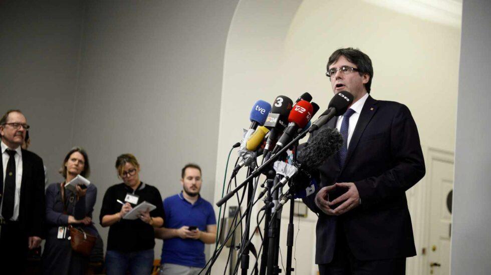 Carles Puigdemont se dirige a los medios en Copenhague.