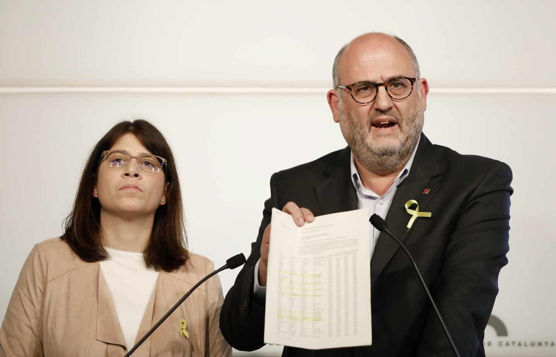El portavoz de JxCat, Eduard Pujol, y la diputada Aurora Madaula, en Barcelona.
